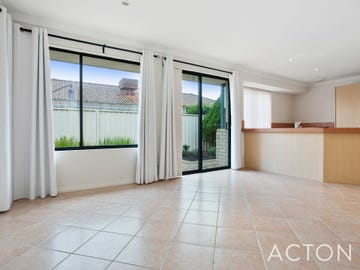 2/2 Sumich Gardens, Coogee, WA 6166