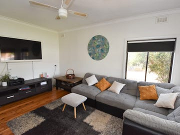 475 POICTIERS STREET, Deniliquin, NSW 2710