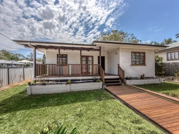 10 Taylor Street, Eastern Heights, Qld 4305