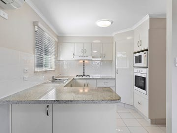 131/2 Ford Court, Carindale, Qld 4152