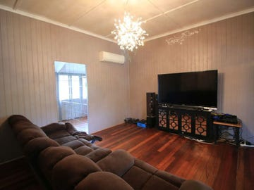 19 Fourth Ave, Home Hill, Qld 4806