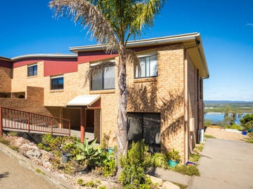 2/16 John  Close, Merimbula, NSW 2548