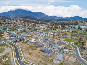 31 Dowding Crescent, New Town, Tas 7008