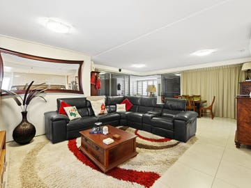 210/105 Scarborough Street, Southport, Qld 4215