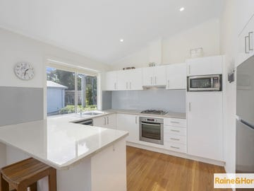 House 111 Sunnylake Shores, 2 Macleay Drive, Budgewoi, NSW 2262