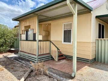 8 Forward Street, Northam, WA 6401