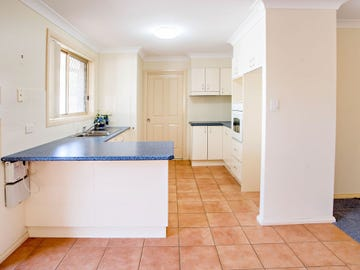 2/8 Plover Street, Taree, NSW 2430