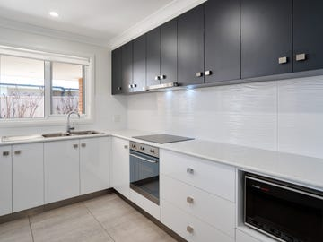 2 Mordie Place, Gobbagombalin, NSW 2650