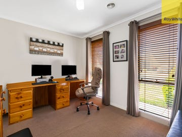 3 Rotarian Place, Melton West, Vic 3337