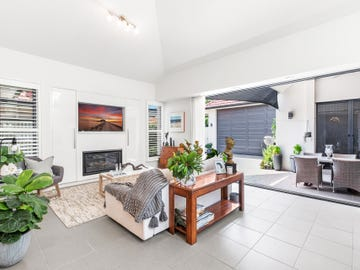 27 Silsoe Street, Hamilton South, NSW 2303