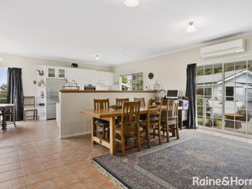 8 Welcome Avenue, Kingston, Tas 7050