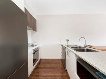 73/2 Peter Cullen Way, Wright, ACT 2611