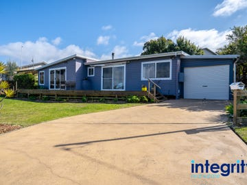 2 Graham Avenue, St Georges Basin, NSW 2540