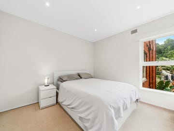 8/243A Old South Head Road, Bondi, NSW 2026