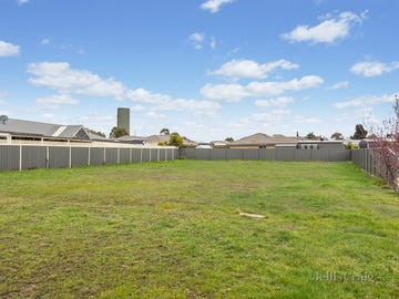 16 Quinn Crescent, Kyneton, Vic 3444