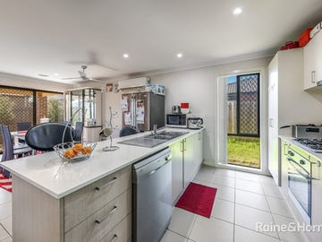 10 GOSSE CRESCENT, Brookfield, Vic 3338