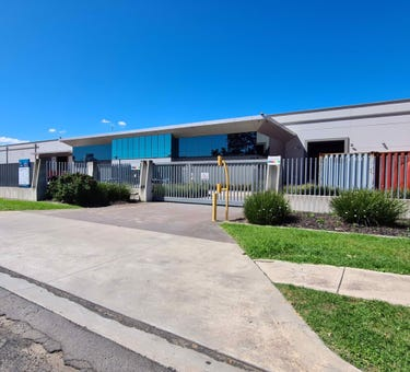 9 Whyalla Place, Prestons, NSW 2170