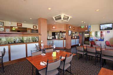 Swan Reach Hotel, Hasse Hill Road Swan Reach SA 5354 - Image 4