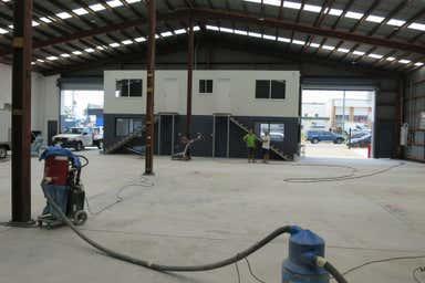 3 Pendrey Court Woodridge QLD 4114 - Image 4