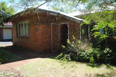 43 Hunter Street Centenary Heights QLD 4350 - Image 2
