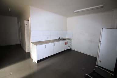 2/110 Barwon Terrace South Geelong VIC 3220 - Image 3