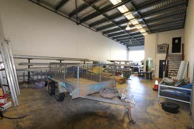 1/9 Fremantle Street Burleigh Heads QLD 4220 - Image 4