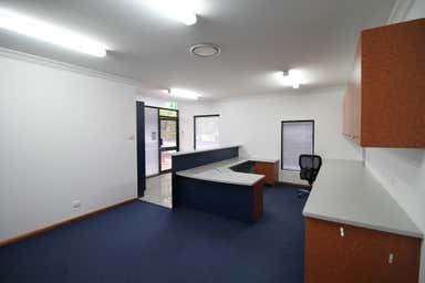 2/106-108 Herries Street East Toowoomba QLD 4350 - Image 3