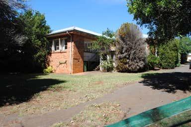 43 Hunter Street Centenary Heights QLD 4350 - Image 3