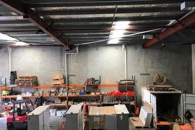 Unit 2, 68 Mordaunt Circuit Canning Vale WA 6155 - Image 4