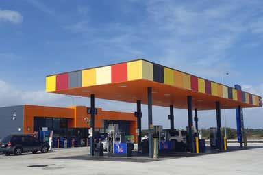 35 Blackburn Drive Port Kennedy WA 6172 - Image 2
