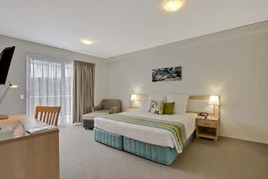 Quality Suites Pioneer Sands, Wollongong, 19 Carters Lane Fairy Meadow NSW 2519 - Image 4