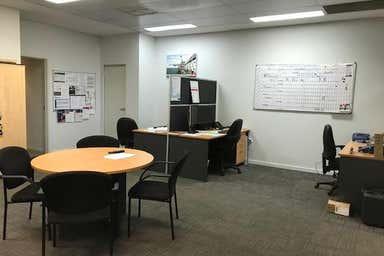Unit 2, 68 Mordaunt Circuit Canning Vale WA 6155 - Image 3