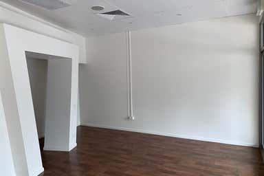 Shop 5, 37 Musgrave Avenue Labrador QLD 4215 - Image 3