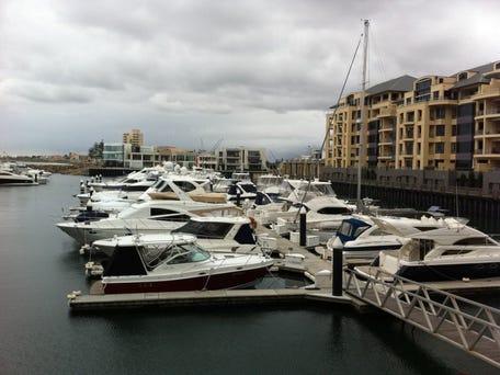 Marina pier glenelg 25 29 colley terrace glenelg sa for 25 colley terrace glenelg