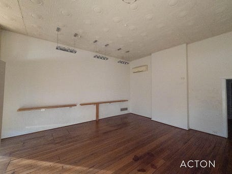 West Leederville, address available on request