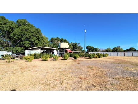 2 Ryan Rd, Mount Isa, Qld 4825