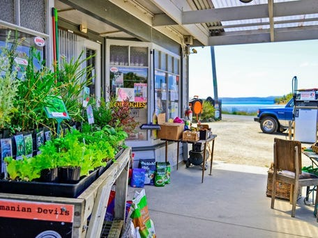 Old Trading Store, 1 Saltwater River Road, Premaydena, Tas 7185