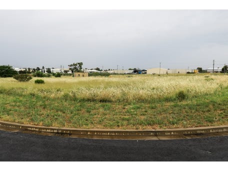11 Boyd Circuit, Parkes, NSW 2870