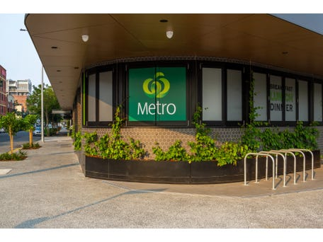 Woolworths Metro, 109 Commercial Road, Teneriffe, Qld 4005