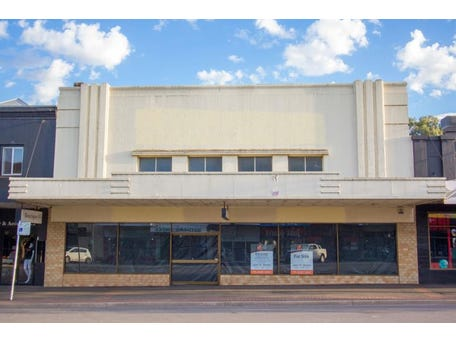 Whole property, 117 Boorowa Street, Young, NSW 2594