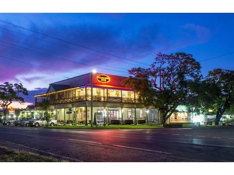 The Village Green Hotel 230 Pound Street Grafton Nsw 2460