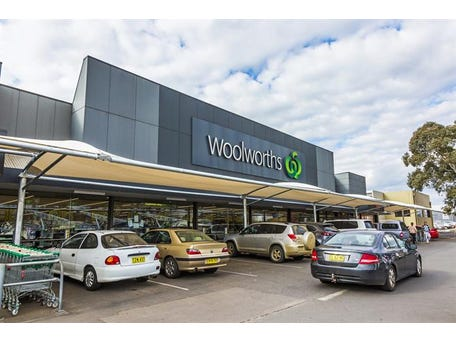 Woolworths Young, Boorowa Street, Young, NSW 2594