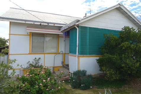 16 Caw St, Merredin, 6415, East - House / CUTE AS A BUTTON! / $85,000