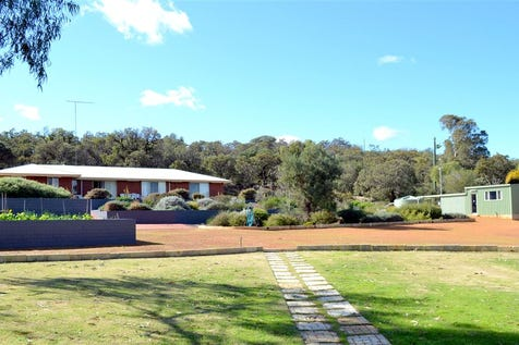 582 Nabaroo Road, Gingin, 6503, North East Perth - House / Under Offer- 55ac 4x2 / Garage: 6 / P.O.A