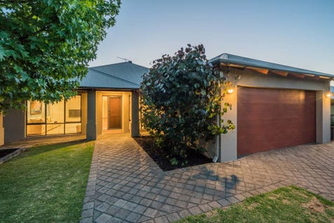 31 Valerie Street, Dianella, 6059, North East Perth - House / INGLEWOOD BORDER BEAUTY! / Garage: 2 / Study / Toilets: 2 / $799,000
