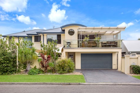 24A Bateau Bay Road, Bateau Bay, 2261, Central Coast - Townhouse / Beautiful By Day – Perfect By Night / Balcony / Garage: 2 / Air Conditioning / Toilets: 2 / $899,000