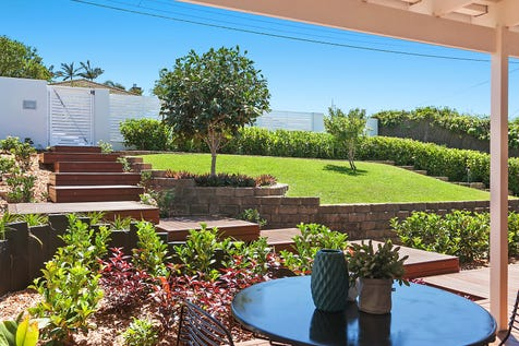 49 Valley View Road, Bateau Bay, 2261, Central Coast - House / Luxurious contemporary residence in Bateau Bay / Carport: 1 / $680,000