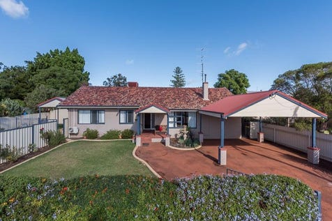 2 Fermoy Avenue, Northam, 6401, East - House / IT DOESN'T GET MUCH BETTER THAN THIS! / Fully Fenced / Outdoor Entertaining Area / Shed / Carport: 2 / Secure Parking / Broadband Internet Available / Dishwasher / Evaporative Cooling / Gas Heating / Split-system Air Conditioning / Study / Living Areas: 1 / $349