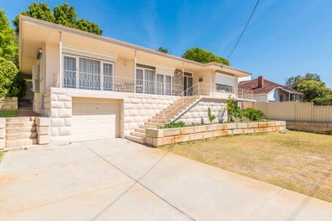 31 Wiluna Street, Coolbinia, 6050, North East Perth - House / Location! Location! 904sqm! / Carport: 1 / Open Spaces: 2 / $749,000