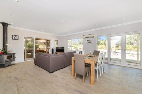 69 Ghost Gum Ridge, Chittering, 6084, Central Coast - House / 4 bedroom house / Outdoor Entertaining Area / Shed / Carport: 2 / Secure Parking / Air Conditioning / Broadband Internet Available / Built-in Wardrobes / Open Fireplace / Pay TV Access / Workshop / Ensuite: 1 / Living Areas: 2 / $565,000